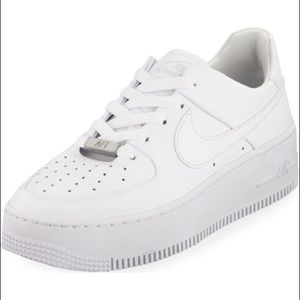 Women's Low Top Airforce 1s